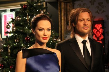 Angelina Jolie and Brad Pitt wax statue