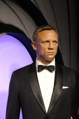 Daniel Craig wax statue
