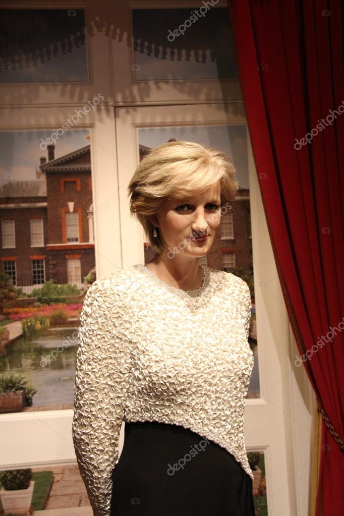 Princess Diana wax statue