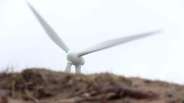 Alternativní energie Větrná turbína rotační. Spotřeba energie a zelené obnovitelných zdrojů energie průmyslu