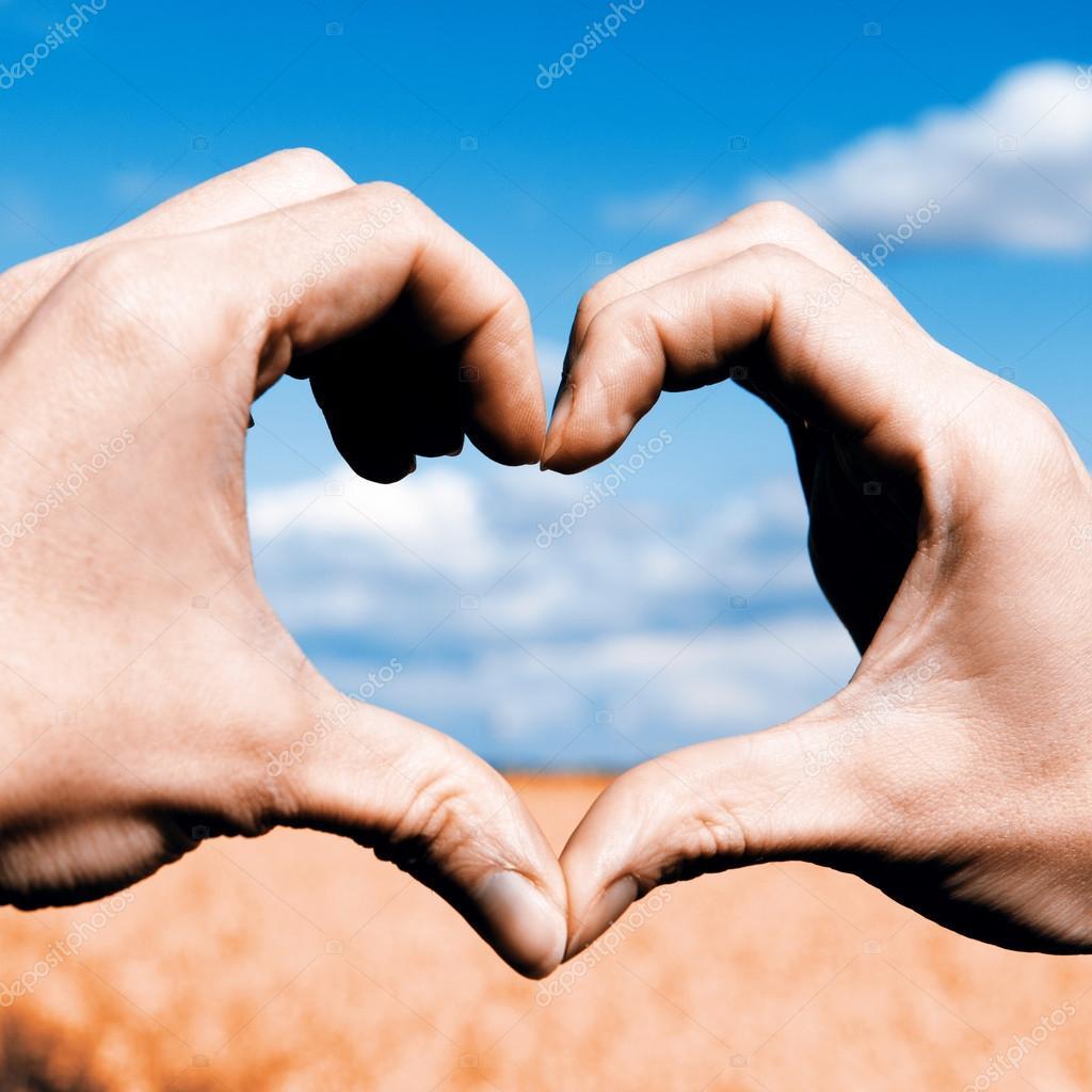 Imágenes Manos En Forma De Corazón Amo Las Manos Forma Corazón