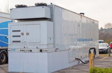 Mobile MRI scanning unit in a hospital car park