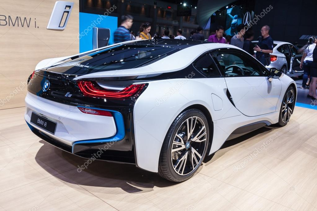 Side View Of Bmw I8 A Plug In Hybrid Sports Car Stock Editorial