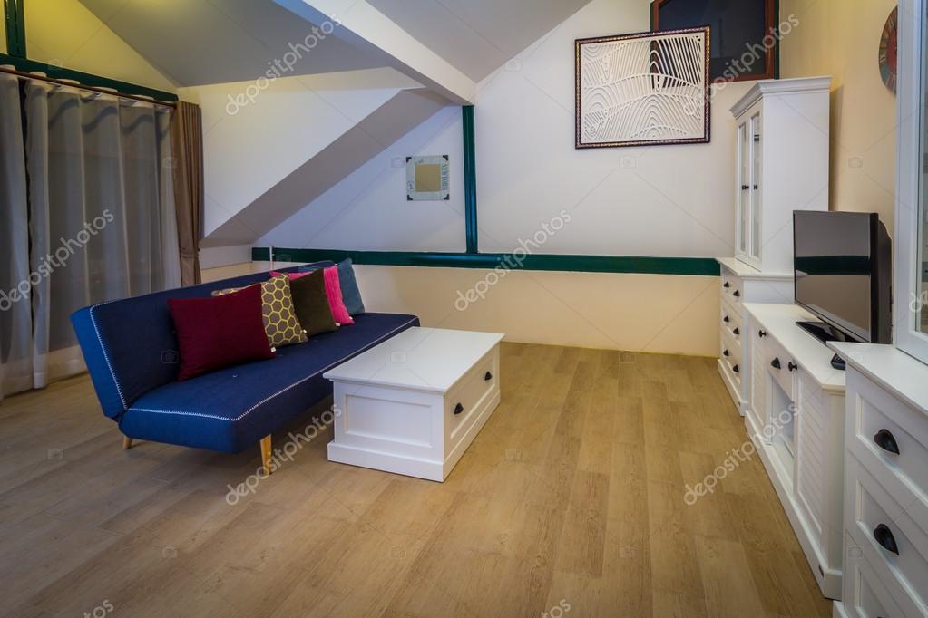 Moderne stijlen van woonkamer — Stockfoto © hadkhanong1979 #90715574