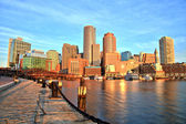 Fotografie Boston Panorama s finanční čtvrti a Boston Harbor v Sunrise Panorama