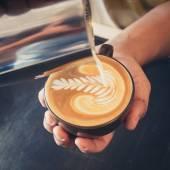 Fotografie how to make latte art coffee