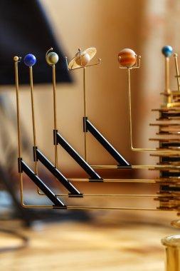 mechanism solar system planets