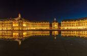Place de la Bourse v noci, Bordeaux
