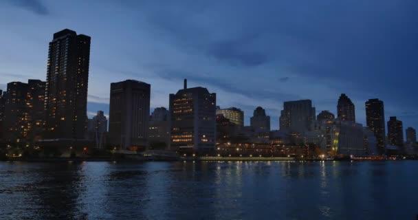 Manhattan v New Yorku City Panorama soumraku založení Shot