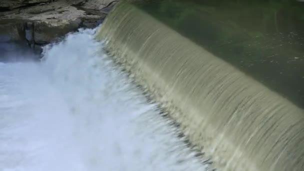 4 k vízesés a Mcconnells malom State Park 4369