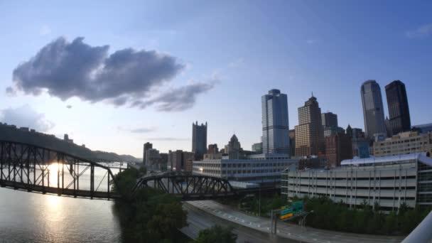 Lasso di tempo di Pittsburgh che istituisce il colpo al tramonto guardando ad ovest