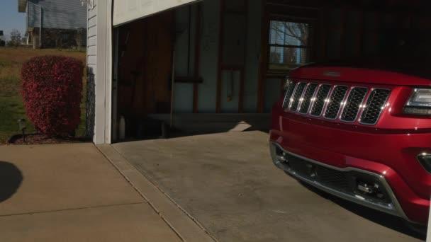 Garážové dveře otevře a zavře automaticky