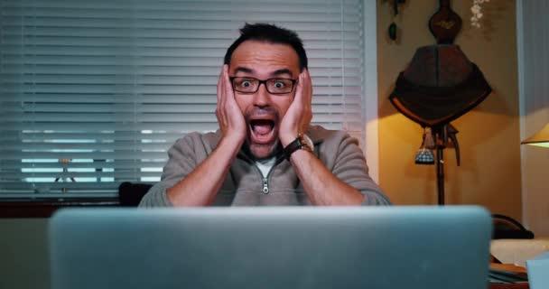 Muž šokován Internet