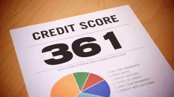 4k rostoucí kreditní skóre zprávy