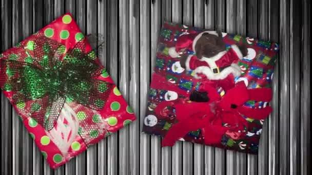 Karácsonyi ajándékok futószalagon mozognak