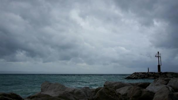 Bouřka nad mořem