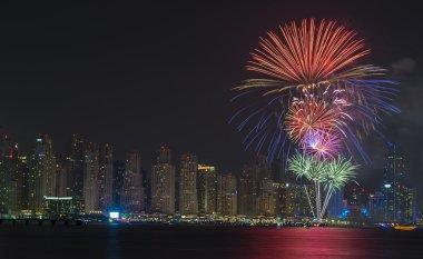 Dubai yeni yıl havai fişek