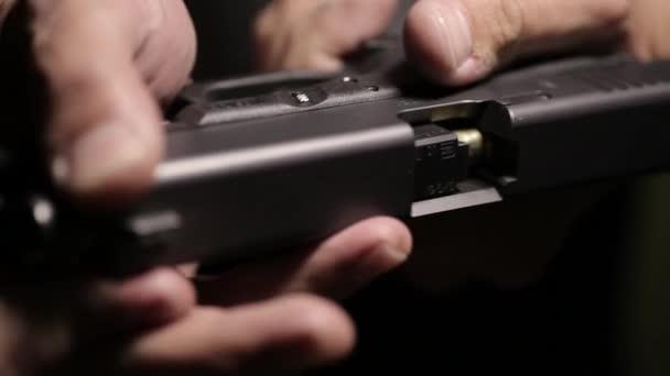 A fegyver csöve a lövedék