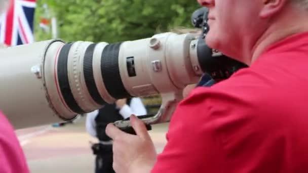 Paparazzi-Kamera-Objektiv in Aktion