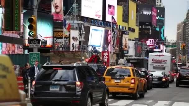 Lidé spěchají do práce v New Yorku