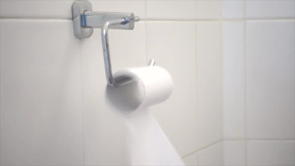 Toilettenpapier geht aus
