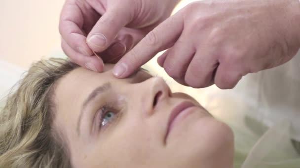 Obličejové akupunkturní léčba na klinice