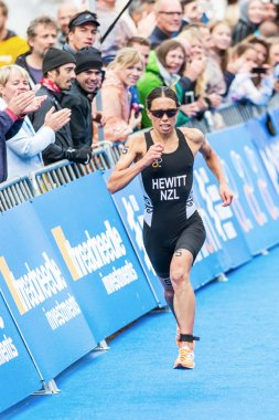 Andrea Hewitt from New Zeeland running to the finish line in the