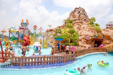 BANGKOK, THAILAND - MAY 2, 2015: Attractions at The Mall Water Park. It is one of largest water parks in Bangkok, on top roof of the Mall Department Store.