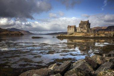 Eilean Donnan Castle sunny day