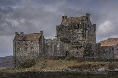 Moody Eilean Donnan Castle close View