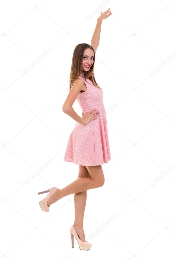 Longitud total de la mujer sensual en vestido corto baile contra ...