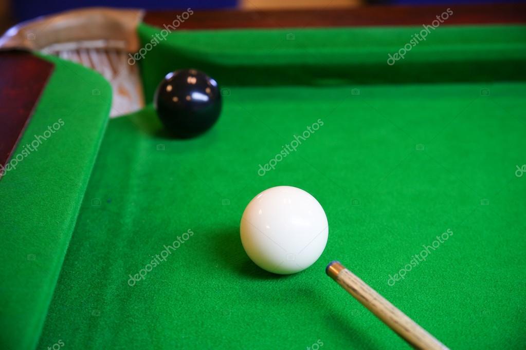 Biliardo palla sul tavolo da biliardo, Snooker o Pool gioco sul ...