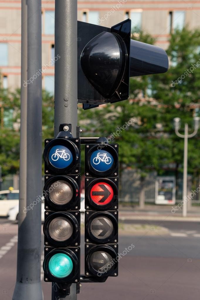 Fahrrad Ampel Rot Und Grün In Der Stadt Stockfoto Ivanriver