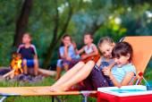 Fotografie děti baví v letním táboře