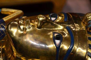 Tutankhamun funerary mask