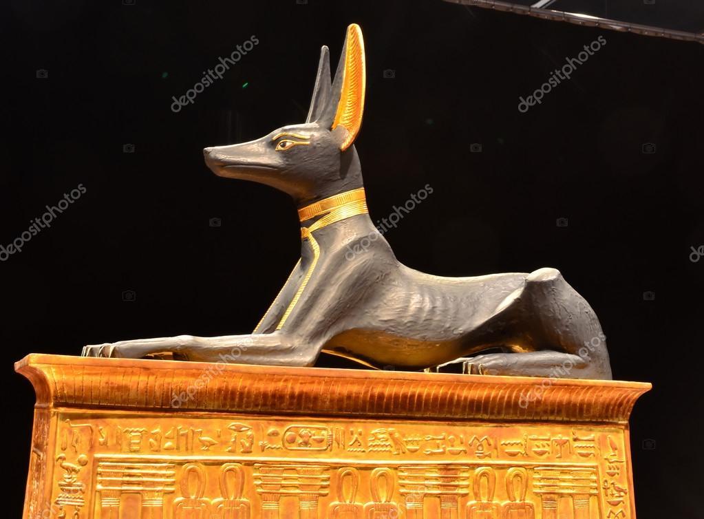 Ancient egyptian Anubis statue – Stock Editorial Photo