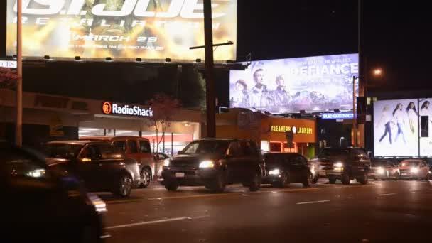 Noc na Sunset Blvd