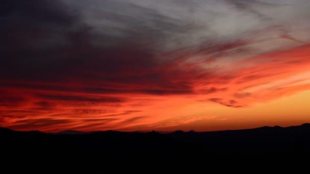 Západ slunce v poušti Mojave