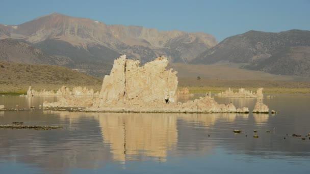 Malebné Mono Lake Kalifornie