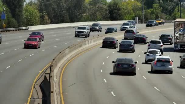 Provoz na rušné dálnici