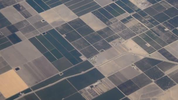 Pohled na zemědělské pozemky