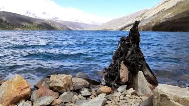 krásné jezero a obloha Mugecuo krajinná oblast Číny