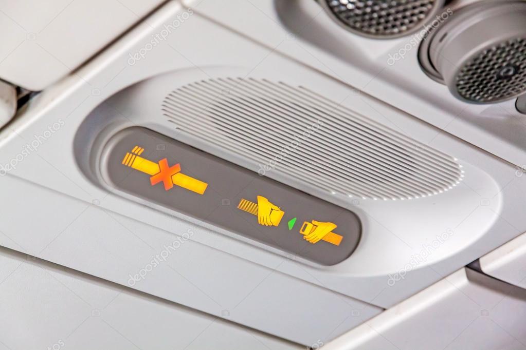 lisbonne portugal 9 juin 2013 intrieur avion airbus a320 non fumeur fixez le signe de la ceinture de scurit image de aldorado