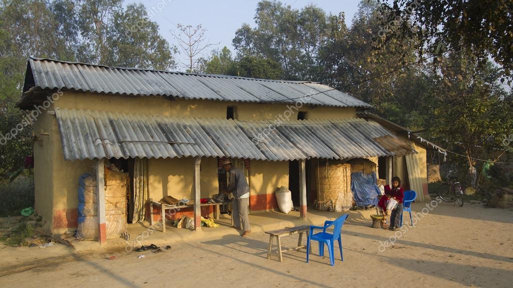 Casa tradizionale nel terai nepal foto editoriale stock for Costruire casa tradizionale