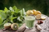 Detoxikační nápoj s kopřivami
