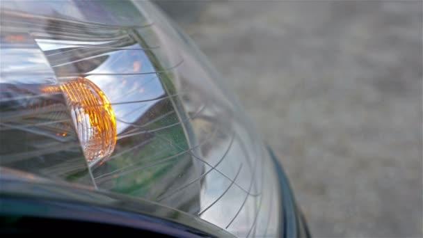 Automobilových světlometů blikající