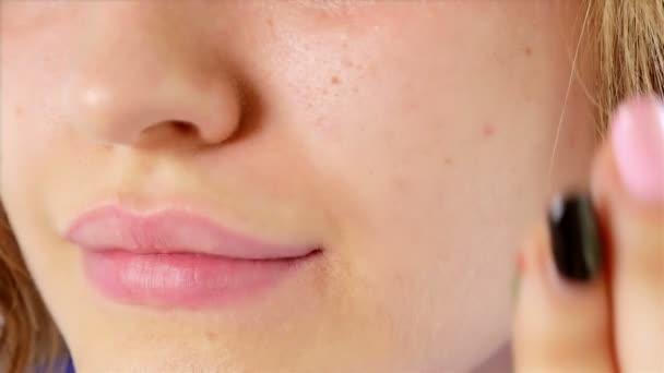 Kız Yüzünü Italyan Bayrağı Ile Boyama Stok Video Jiovani 122701832