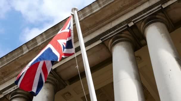 Brit zászló integet a szél, Egyesült Királyság, nemzeti szimbólum