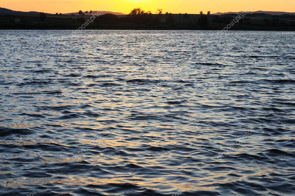 contrast water