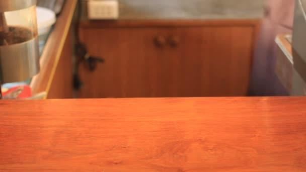 Torta di formaggio della fragola Cup, Stock Video del servizio